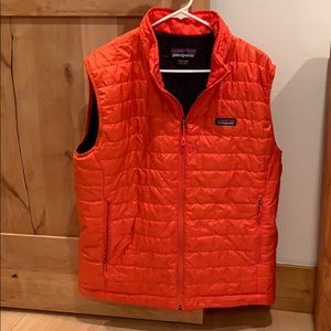 Patagonia Men's down vest orange sz large EUC
